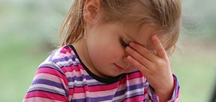 Kind, Mädchen, Kopfschmerzen